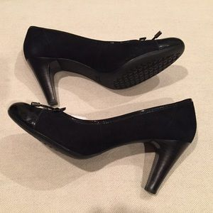 Geox Suede and Leather pump